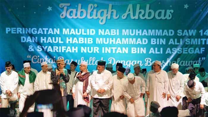 Arinal Hadiri Ceramah Ust. Abdul Somad