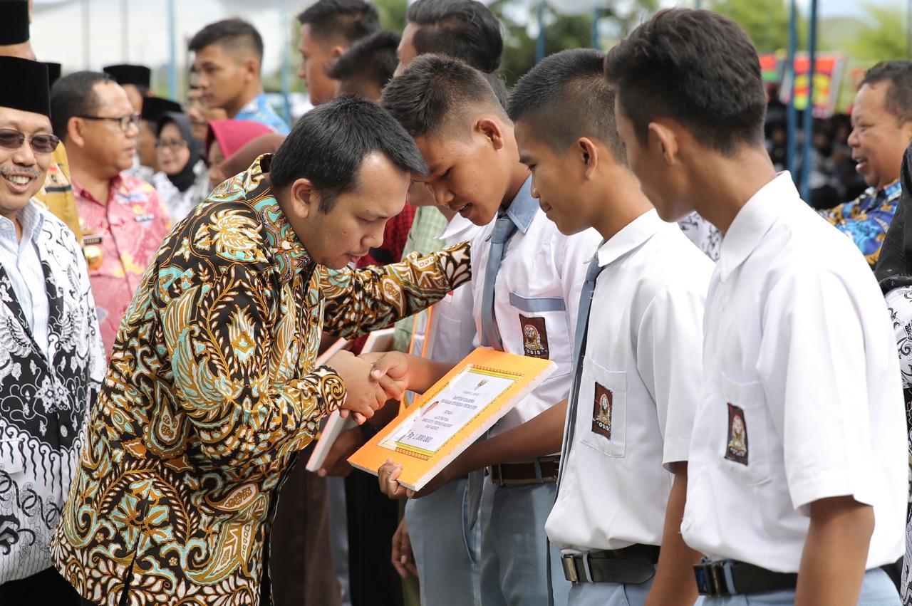 Gubernur Lampung : Apa Guna Jalan Mulus, Kalau Anak Tidak Bisa Baca Tulis